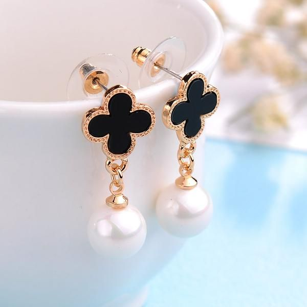 cb053b3bfb34f 18Bre Korean Pearl with Leaf Clover Dangled Earrings in 2019 ...