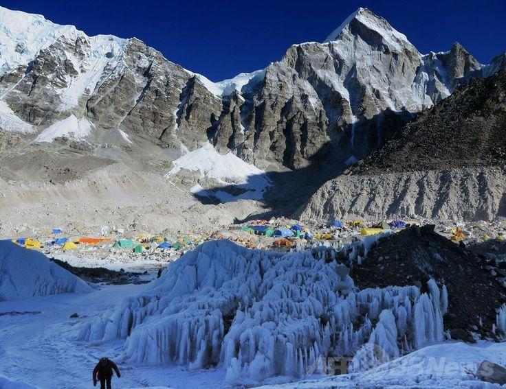 世界最高峰エベレスト(Everest)のベースキャンプ(2014年4月18日撮影)。(c)AFP/ROBERT KAY ▼1May2014AFP|ネパール、エベレスト雪崩事故めぐり大きな影響 http://www.afpbb.com/articles/-/3013926 #Everest #Base_camp