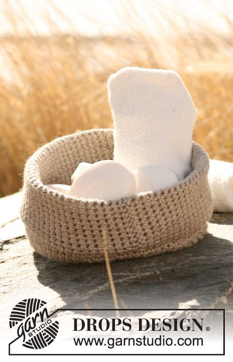 """Set consists of: Knitted DROPS wash cloth in garter st, wash mitten in garter st and crochet basket in 2 threads """"Lin"""". ~ DROPS Design"""