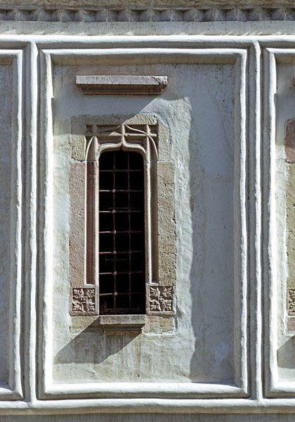 romani (hurezi) valcea - biserica, fereastra