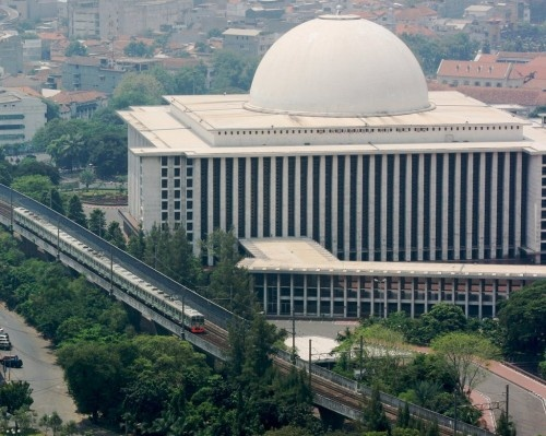 The Istiqlal Mosque in Jakarta is the largest mosque in Indonesia.