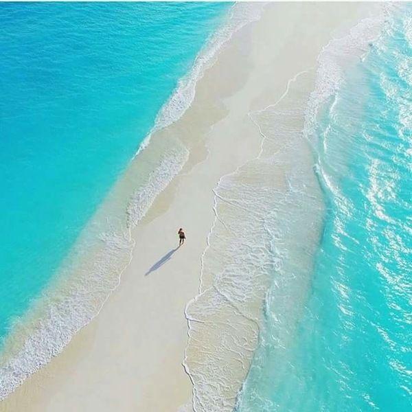 Природная дорога на Мальдивах.