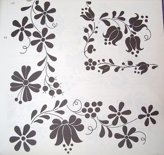 Bordado de esquina en flores