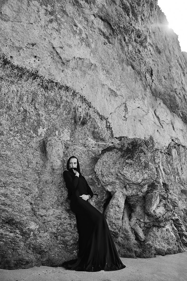 I had a magnificent fashion shoot at the 12 Apostles, Great Ocean Road, Victoria, Australia!!!! Woohoo! Shot by Clinton Lubbe in Erre Fashion in the cold cold morning.... Have a look at some footage on the youtube channel dphog ... https://www.youtube.com/watch?v=-zRyejBp6Zw