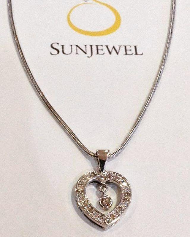 SUN07351-0 Diamond Necklace (Chain & Pendant) by Sunjewel Elite  1.04 carats Round Diamonds on 21.5 grams 14-Karat White Gold