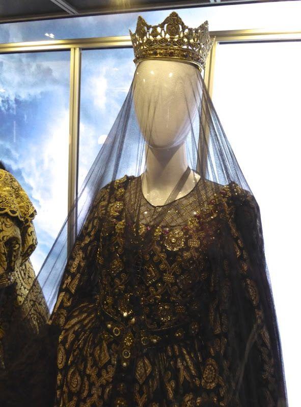 assassins+creed+queen+costume.jpg (591×800)