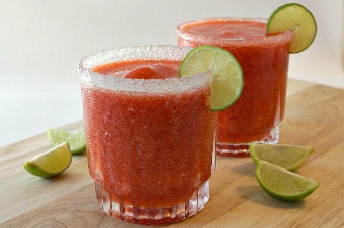 Key Lime Strawberry Margaritas Recipe for National Margarita Day #VivaLaRita