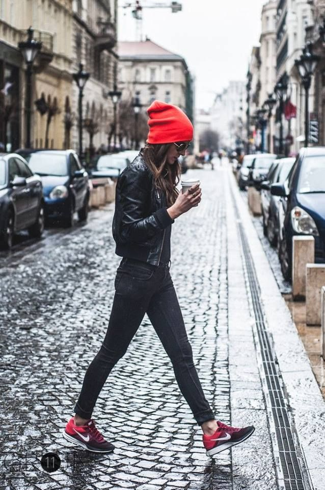 Red beanie for the win #winterknits