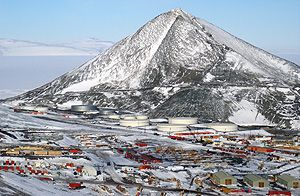 Who lives in Antarctica? - The Antarctic Population