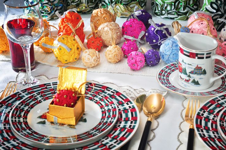 Set the table with Scarf it & Decor #christmas decorations
