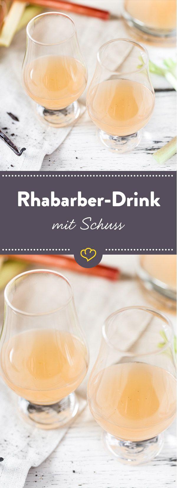 Fruchtiger Frühlings-Drink: Eingekochter Rhabarber, eine feine Vanillenote und ein Schuss Wodka - ein kleines Gläschen süßer Genuss.