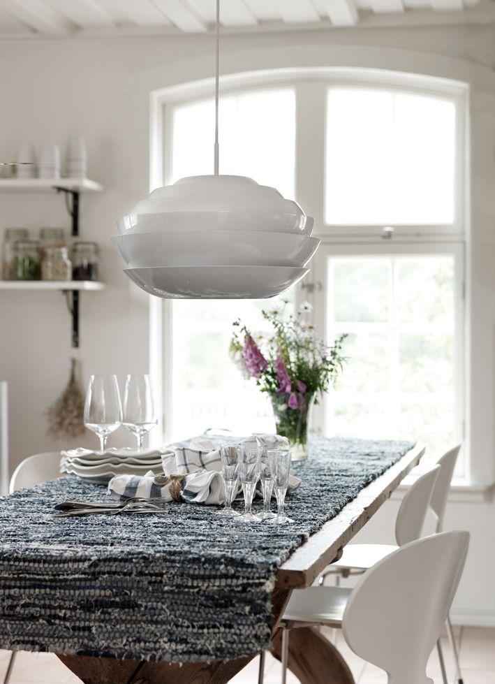 Nordiskt ljus med Kobbe taklampa från vår tillverkare Lyktan Bankeryd Belysning. Pris EM.com