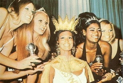 """Miss World was the top rated UK TV Show. Hosted by Bob Hope and interrupted by protesters the contest won by """"Miss Grenada"""" Jennifer Hosten"""