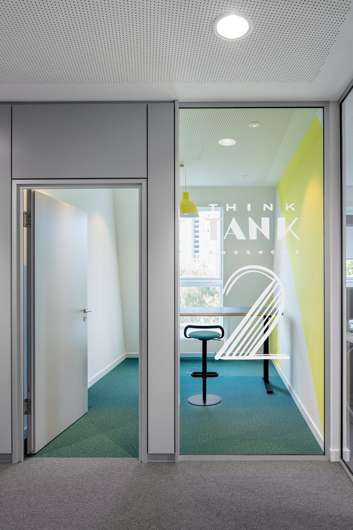 PARAT has created a new office space for the IT consultancy company Monday located in Hamburg, Germany.