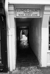 Formerly... (Your Funny Uncle) Tags: york england alley yorkshire shortcut alleyway ginnel snicket snickleway snickelway snickleways raccourci snickelways