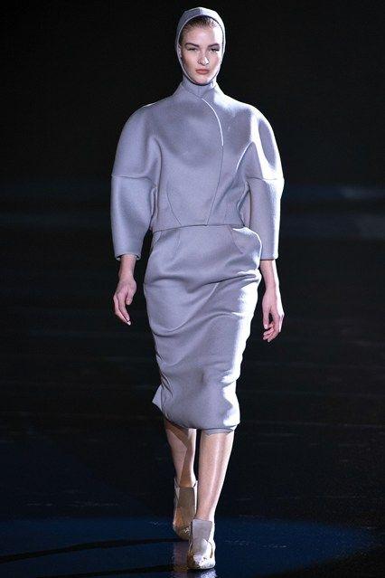 Mugler - www.vogue.co.uk/fashion/autumn-winter-2013/ready-to-wear/mugler/full-length-photos/gallery/944341