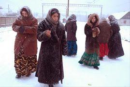 GYPSY WOMEN IN RUSSIA