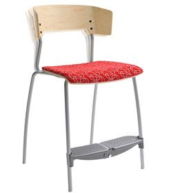 Xpect is an ideal chair for classrooms, dining areas and similar. It is available as a four-legged chair in two versions and with a cantilever frame. All variants are available in three heights. The four-legged model comes with either a fixed or flexible back. The chairs are available in two seat depths to suit the different sizes and needs of pupils. Xpect can be hung on tables and is stackable.