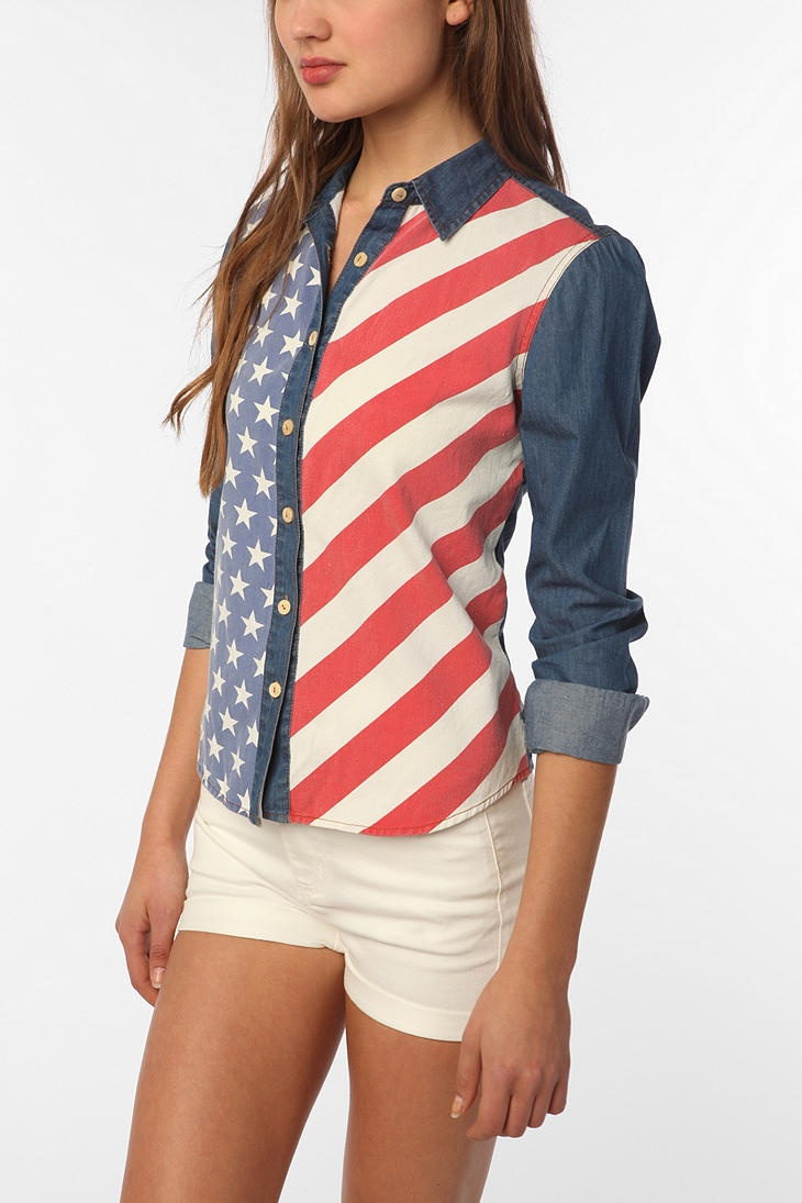 Urban Outfitters - BDG American Flag Chambray Button-Down Shirt
