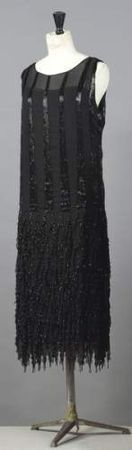 Chanel - 1920's - Haute couture dress - House of Chanel - Design by Gabrielle 'Coco' Chanel - http://elogedelart.canalblog.com/