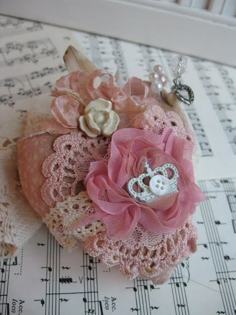 My heart sings: Lace Things, Crafts Ideas, Fabrics Heart, Shabby Chic, Cherries Jubilee, Heart Pincushions, Cherry Jubilee, Beautiful Things, Romantic Cottage
