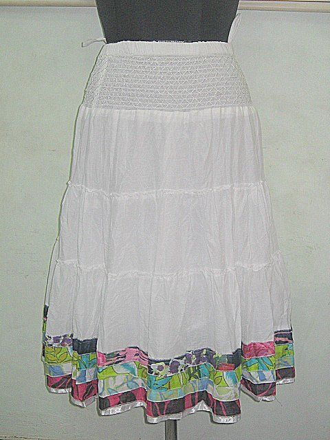 ART Knee Length White Skirts    For our other Products  Please visit  www.premiumtowelexportindia.com