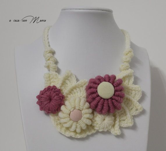 Collana uncinetto forma libera freeform crochet di Acasaconmanu