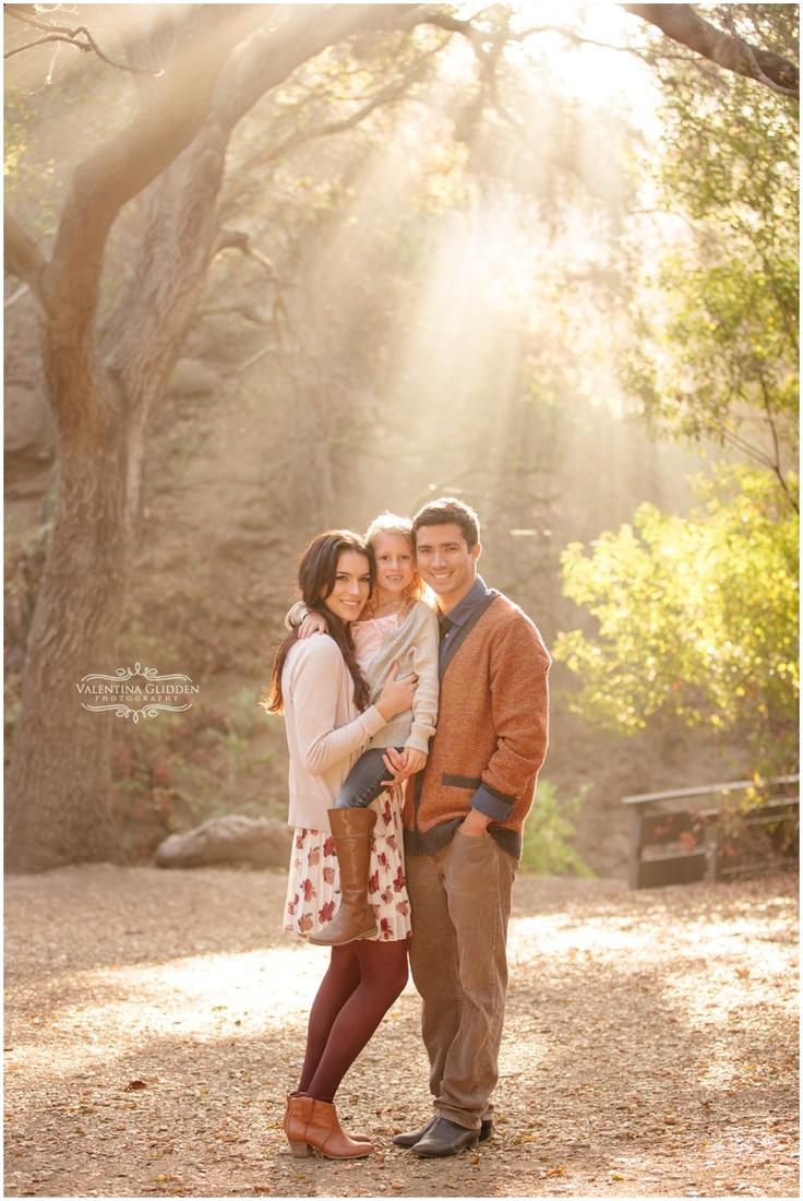 Fantastic family pose, setting & light