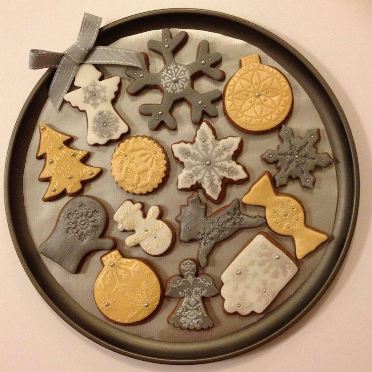 Christmas gingerbread cookies by Hana Rawlings