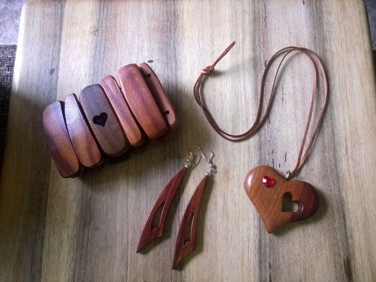 wooden jewlery