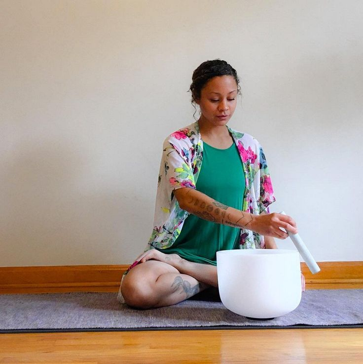 Crystal chakra singing bowls 432 hz for sound therapy
