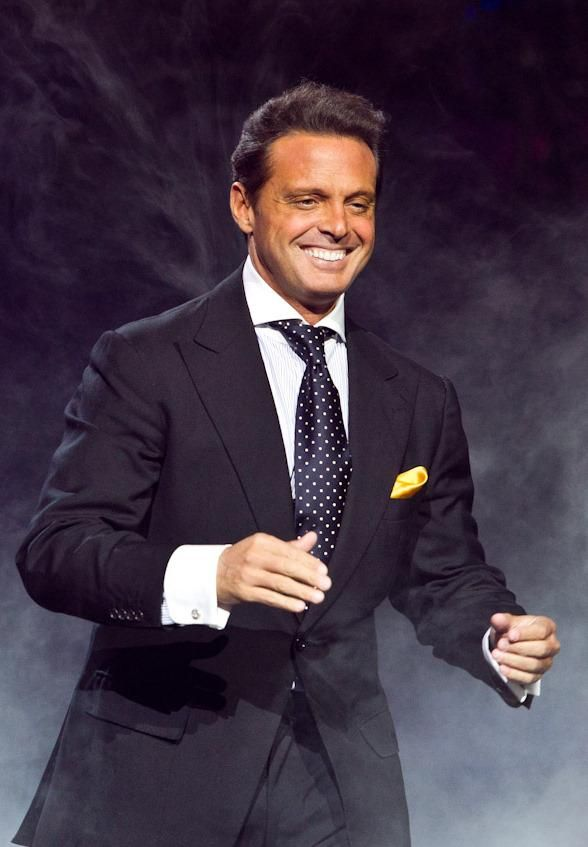 Luis Miguel Brings Latin Flare to Mandalay Bay Events Center September 12 (Photo: © Erik Kabik / www.erikkabik.com)