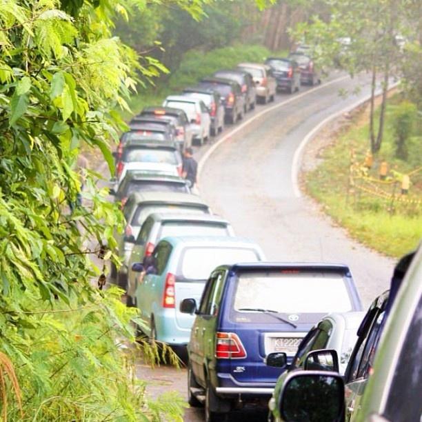 Traffic on the road to Samarinda 2011