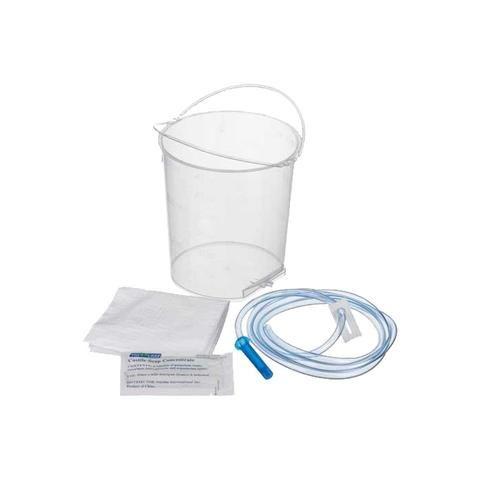 Chaque kit contient un seau, un tube, une pince en plastique, un concentré de savon...