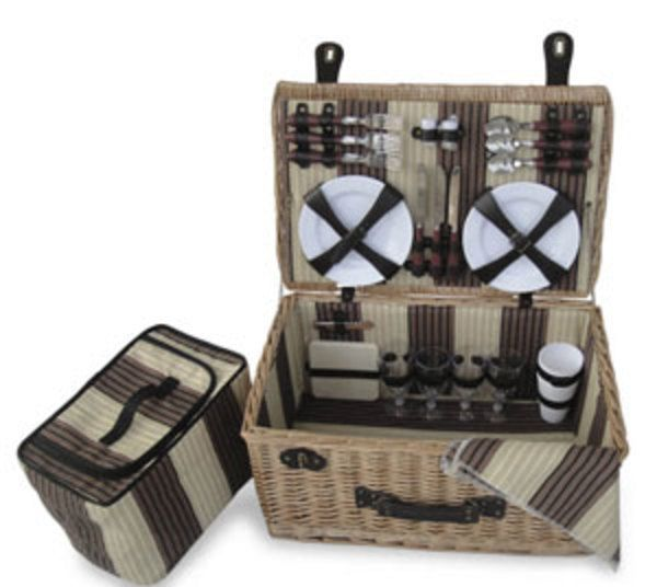 Delaware Family Picnic Basket AU$279 | FREE Delivery at Red Wrappings*