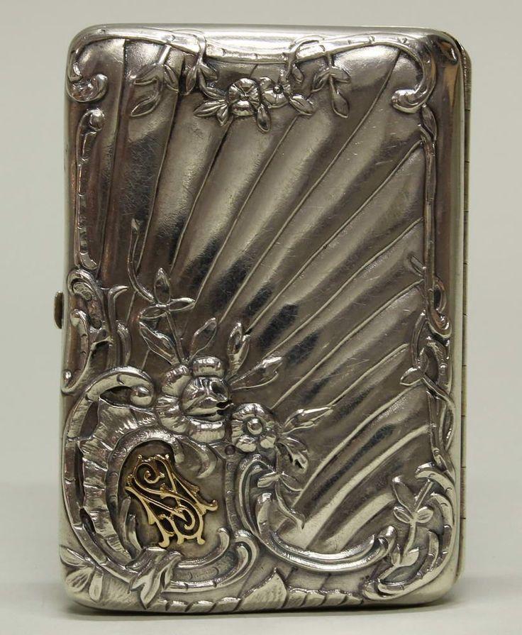 Zigarettenetui, Silber 84er, Russland, 1896-1908, Meistermarke, floraler Reliefdekor, vergoldetes Mo — Silber und Versilbertes