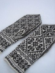 Ravelry: yarnjungle's Røros Mittens
