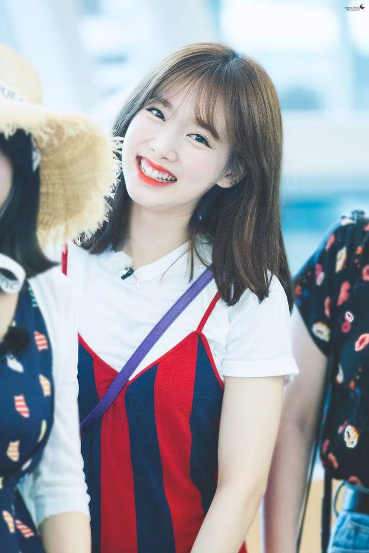 #TWICE #Nayeon : her smile is beautiful scenery