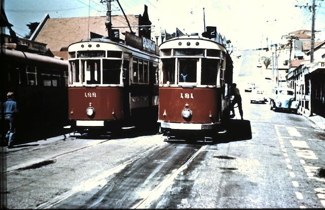 Timespanner: Wellington trams, cable cars, trolleys and harbour. Hataitai terminus, Waitoa Road – same tram tour as Nos. 3 and 4 Note the trolley bus on the left ! We used to run down Hataitai Road & catch a tram thru the tunnel to Courtenay Place (into the city)