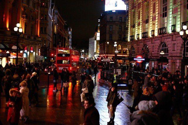 #london @night #picadillycircus with #lovely #friends @mrkendu #colorful  #ambient #lights #lfw #loveit #captured #by #fashion #photographer @volkervornehm @ #londonfashionweek #followme @vornehmphotography.tumblr.com & @volkervornehm.com