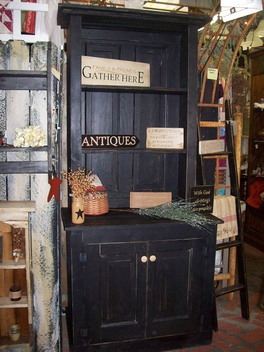 Best 25+ Black distressed cabinets ideas on Pinterest | Annie sloan chalk  paint, Annie sloan chalk paint colors and Annie sloan kitchen cabinets - Best 25+ Black Distressed Cabinets Ideas On Pinterest Annie