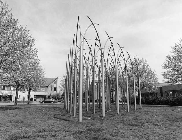 José Pelzers, Gotische kathedraal (1990), Muziekwijk, Almere Stad. © Witho Worms, Museum De Paviljoens