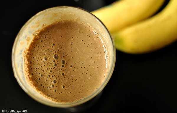 coffee banana smoothie recipe: 3/4 cup fresh brewed coffee - cooled, 1 medium banana, 1 tablespoon honey or sugar, handful of ice cubes, 1 1/2 cups yogurt,1 teaspoon cinnamon