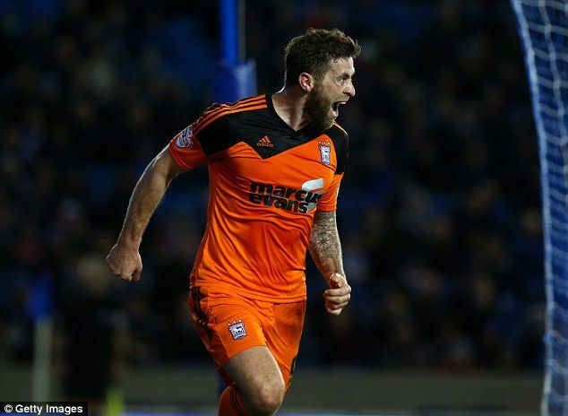 Daryl Murphy celebrates scoring Town's winner against Brighton & Hove Albion at the Amex Stadium (29-12-2015)