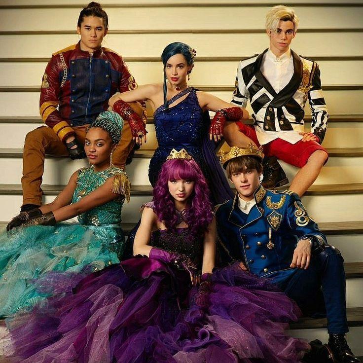 Cast of Descendants 2 Cameron Boyce, Mitchell Hope, Dove Cameron, China McClain, Sofia Carson, and BooBoo Stewart