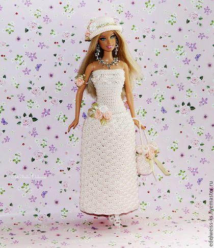 Купить или заказать Ажурное платье 'Чайная Роза' для Барби в интернет-магазине на Ярмарке Мастеров. Предлагаем нежное платье 'Чайная Роза' полностью ручной работы для куколок Барби и аналогичных куколок, куколок ростом 30 см. Платье 'Чайная Роза' корсетного типа выполнено с использованием нежнейшей шелковистой нити кремового цвета ажурным узором. Лиф платья декорирован бисером молочного цвета, пояс платья украшает атласная бисерная косичка в тандеме с атласными розочка...