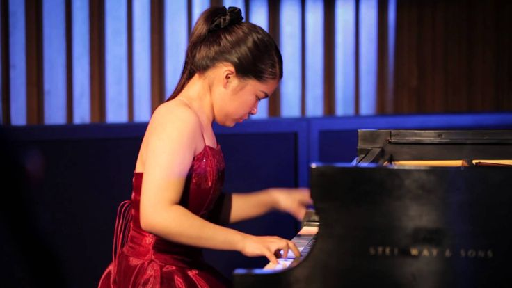 Sergei Prokofiev:Piano Sonata N3, Op28 - Annie Zhou, Piano