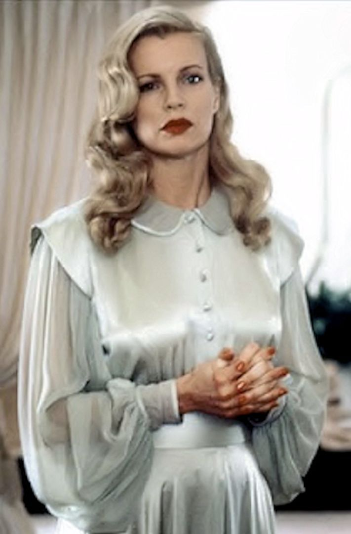 Kim Basinger as Lynn Bracken - 1997 - L.A. Confidential - Costume by Donna O'Neal - Style: 1940's America
