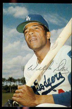 1971-willie-davis-los-angeles-dodgers-home-game-schedule-postcard_7645803.jpeg (235×355)