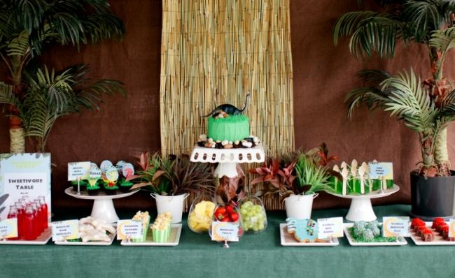 [Boy Bash] Dessert Table Tips - Cupcake Couture - Spaceships and Laser Beams